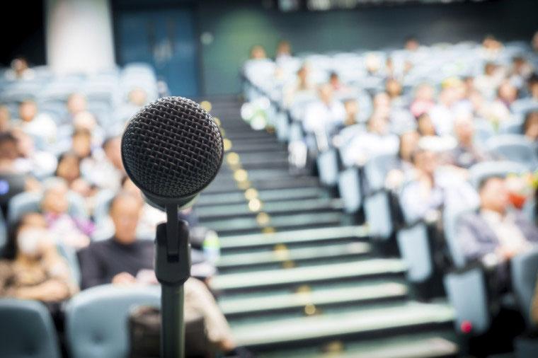 Parlare in pubblico: migliorare in 5 mosse