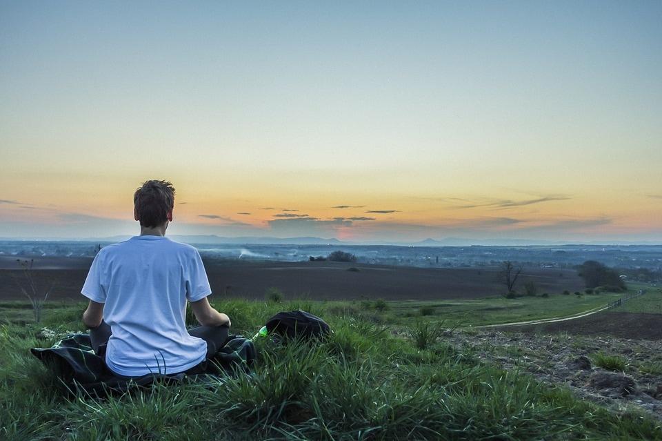Mindfulness: cos'è e come si pratica? Esempi di esercizi di meditazione