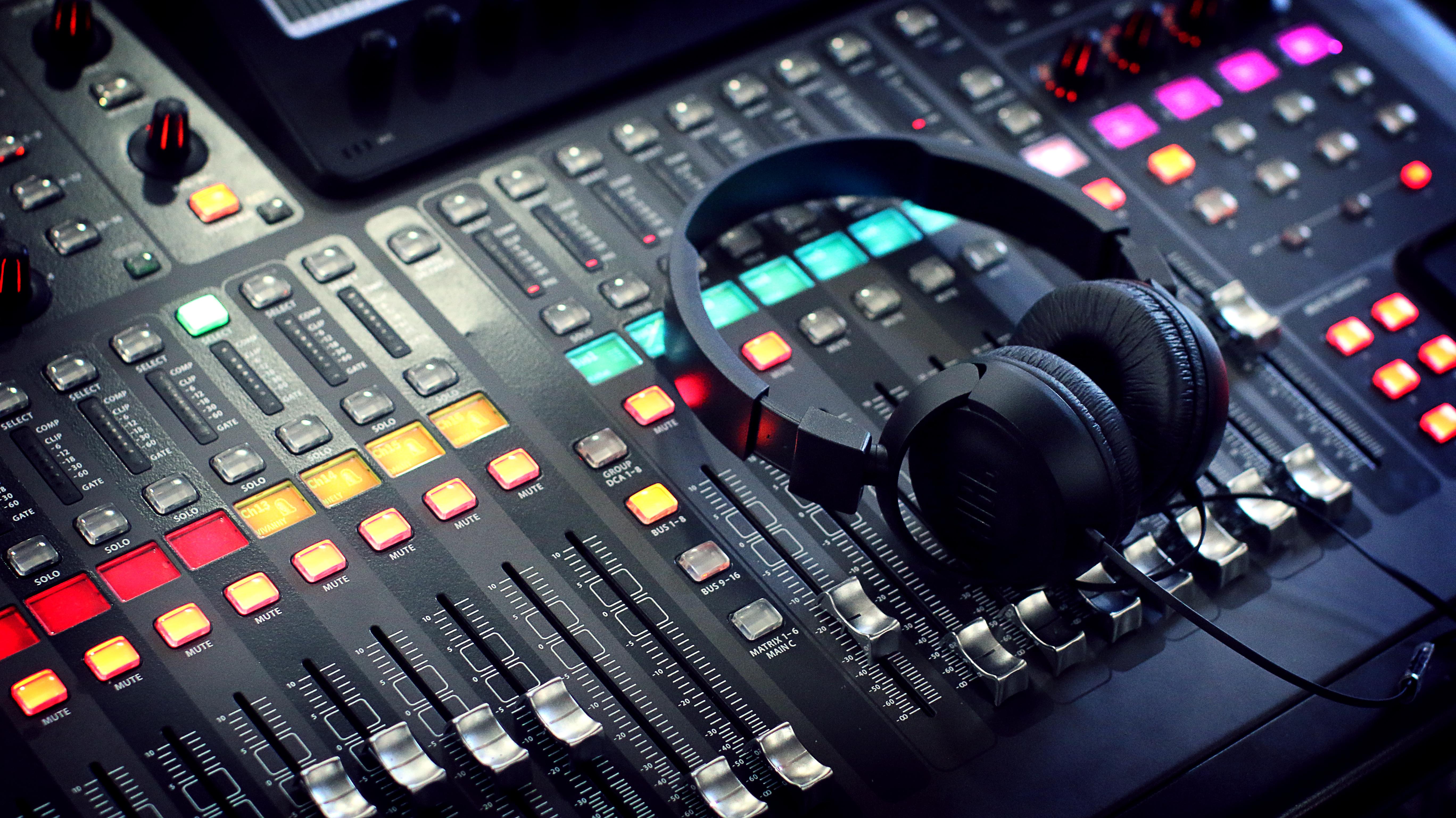 Come diventare tecnico del suono: piccola guida per una carriera nell'audio