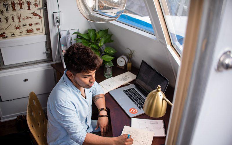 Come diventare Freelance: la nostra guida in 10 passi. 1. Freelance: chi è, che cosa fa, quanto guadagna, perché diventarlo
