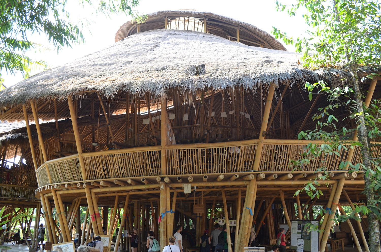Schule-aus-Bambus-Green-School-Bali