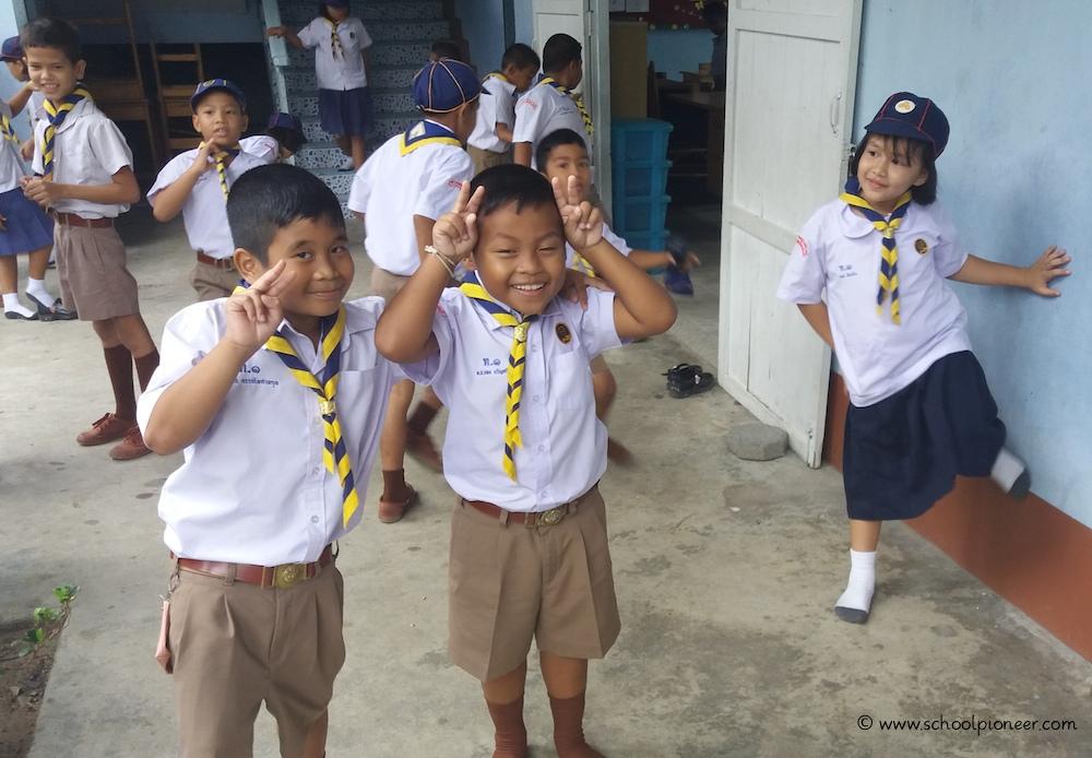 Schüler-Thailand-Grundschule-Gemeinschaft