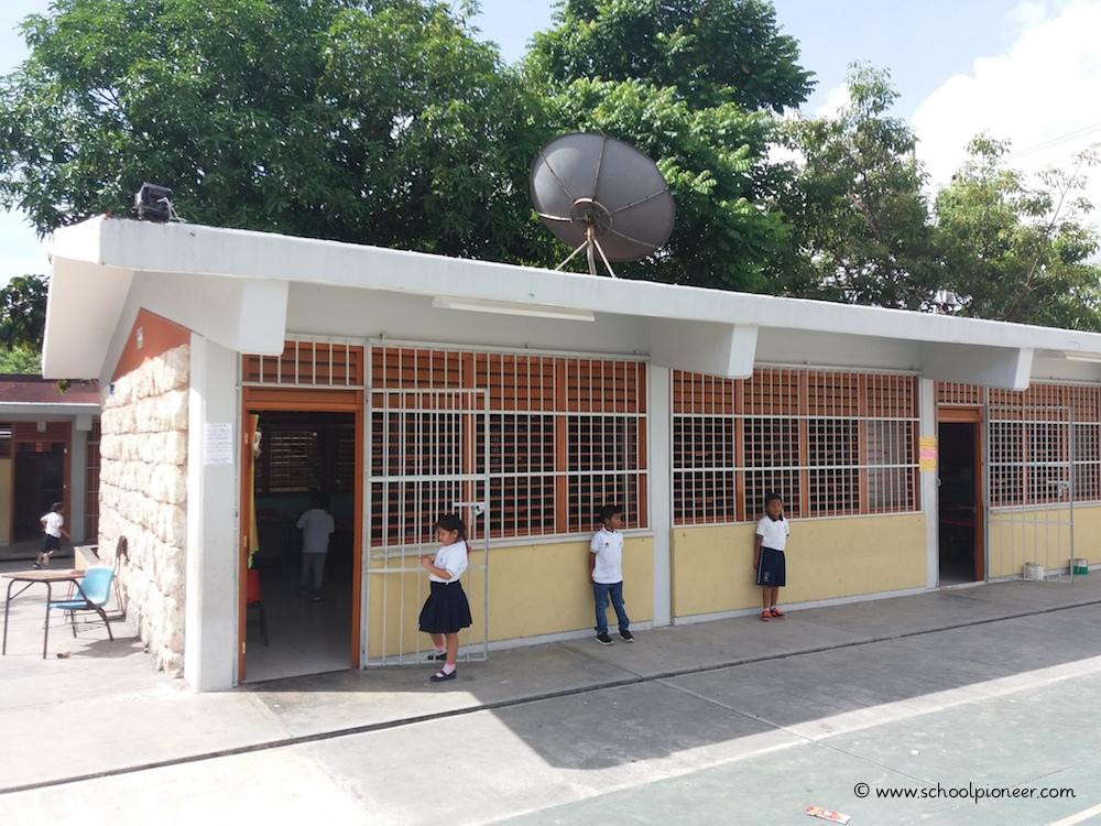 Fenstergitter-Türgitter-Grundschule-Mexiko