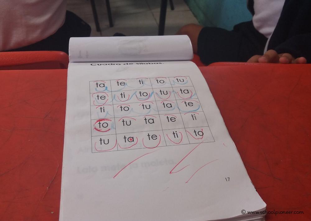 Silbenbögen-einzeichnen-Erste-Klasse-Mexiko-Grundschule
