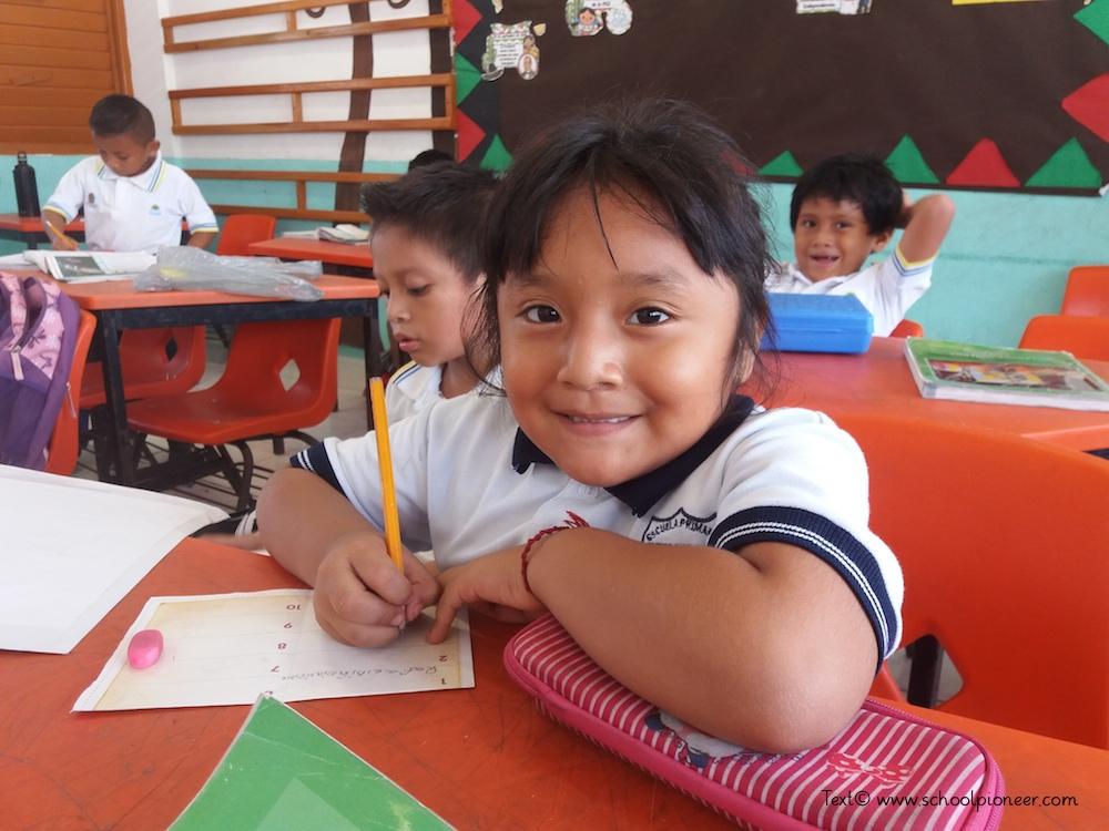Wortgrenzen-einhalten-Lernfreude-Kinder-Grundschule-Mexiko