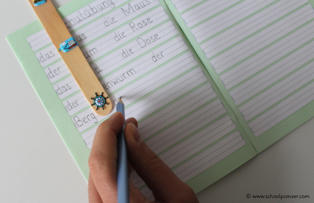 Leerzeichen-Stäbchen-Anwendung-Linkshänder-Schreiben-Grundschule-Wortabstände