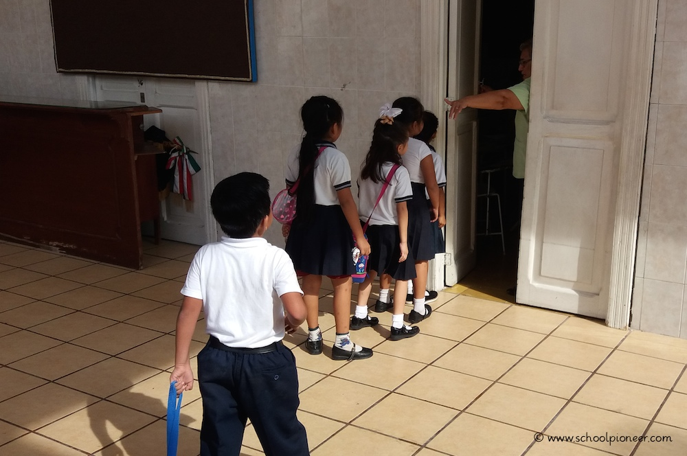 Pausenende-Privatschule-Mexiko