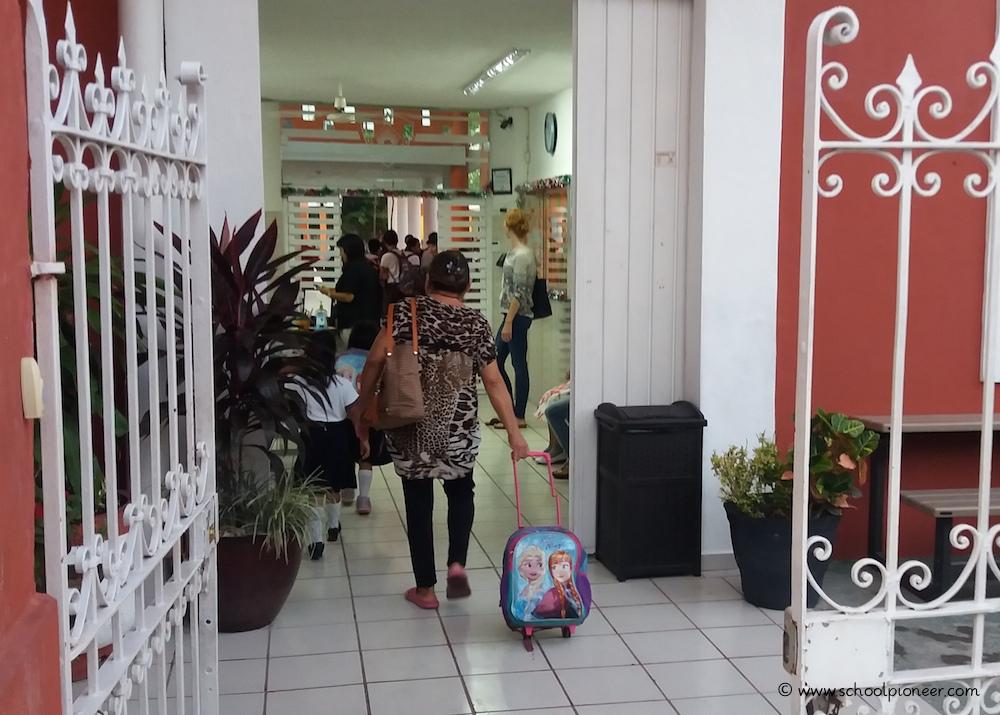 Empfangsraum-Privatschule-Werteerziehung-Grundschule-Mexiko