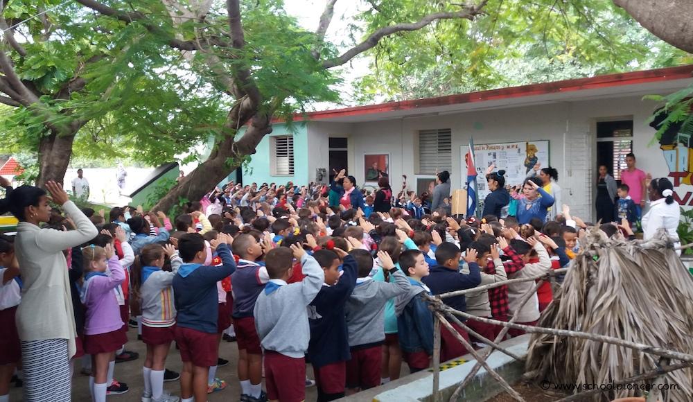 Kuba-Grundschule-Nationalhymne-Pioniergruß