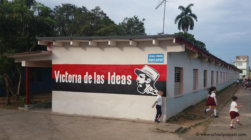 Bungalowbauweise-Grundschule-Kuba