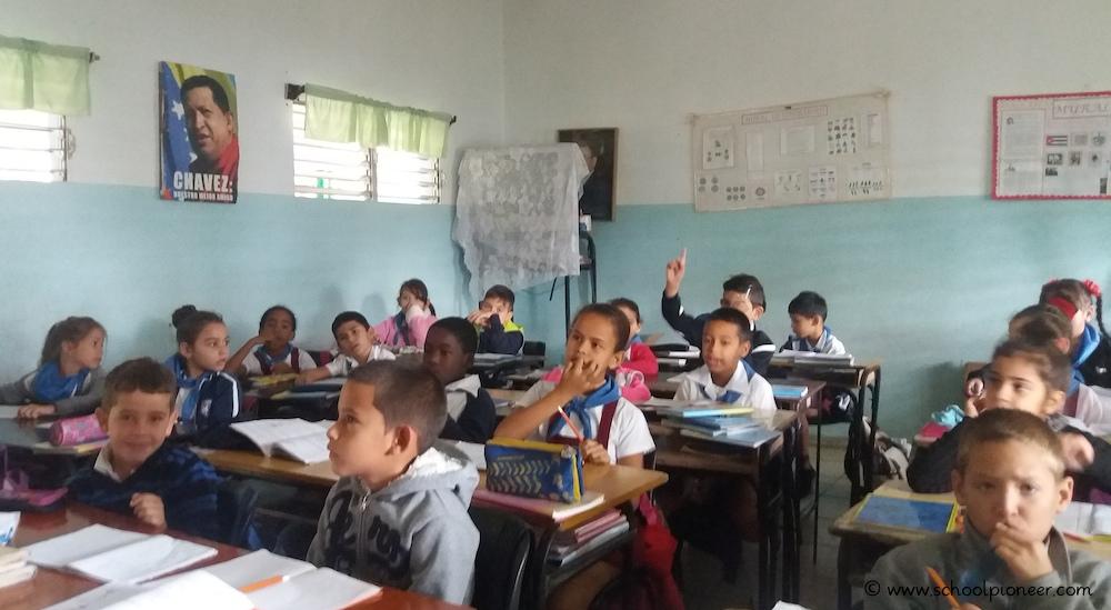 Kleines-Klassenzimmer-Grundschule-Kuba