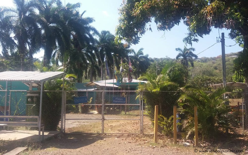 Staatliche-Grundschule-Costa-Rica-Natur