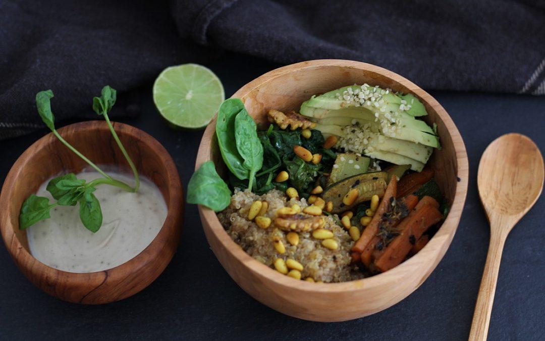 Ayurvedische Quinoa Mangold Bowl