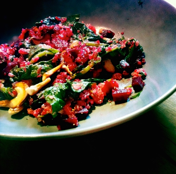 Rotes Cashew-Spinat Curry