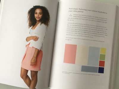Eine optimale Farbpalette für Ihre Grundgarderobe besteht in diesem Fall aus 9 Farbtönen.