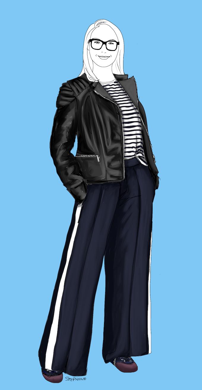 Athleisure Hosen kombinieren, beispielsweise hier eine Hose aus lässig fallendem Woll-Krepp, hat ein weites Bein und einen breiten, weißen Seitenstreifen aus Satin. Sie ist äußerst variabel. Hier trage ich sie mit einem Streifentop und Bikerjacke in einer sportlich-rockigen Freizeit-Kombi.