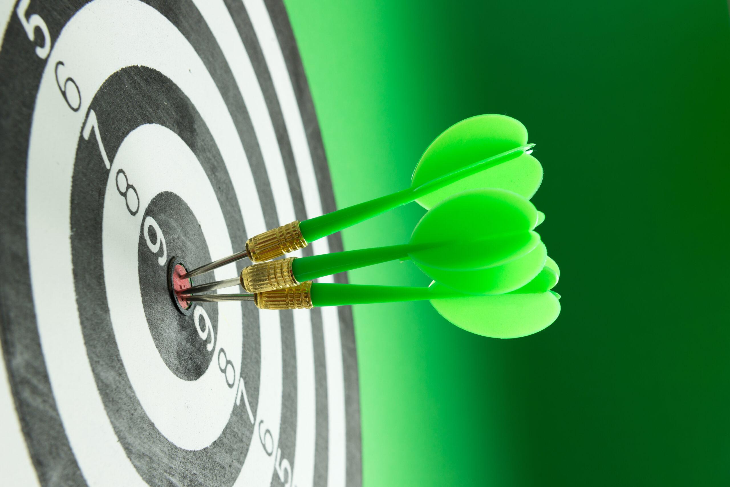 Eine Zielscheibe symbolisiert die Lücke in der Pädagogik. Klar definierte Ziele.