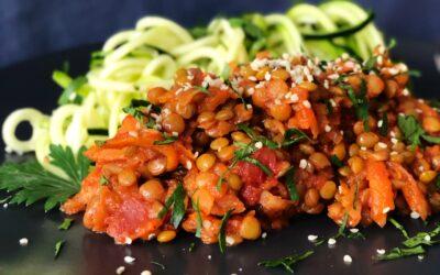 Vegane Linsenbolognaise mit Zucchetti-Noodels