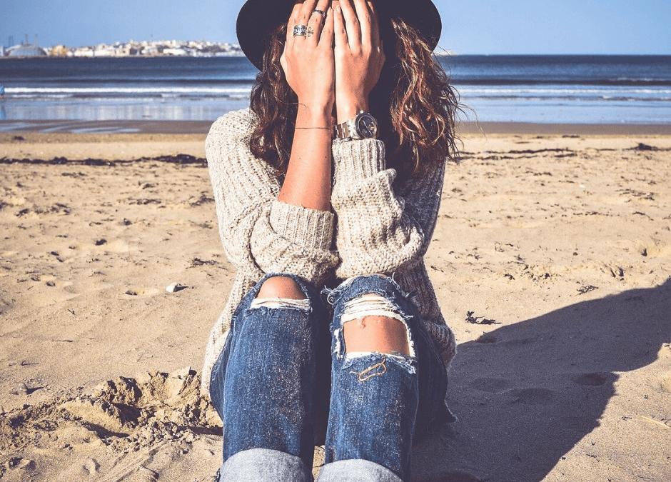 Wer bin ich denn, wenn ich nicht mehr leide? – Über die Macht der Identifikation