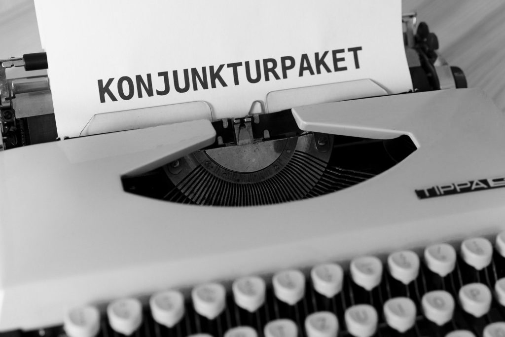 Schreibmaschine mit Text Konjunkturpaket.