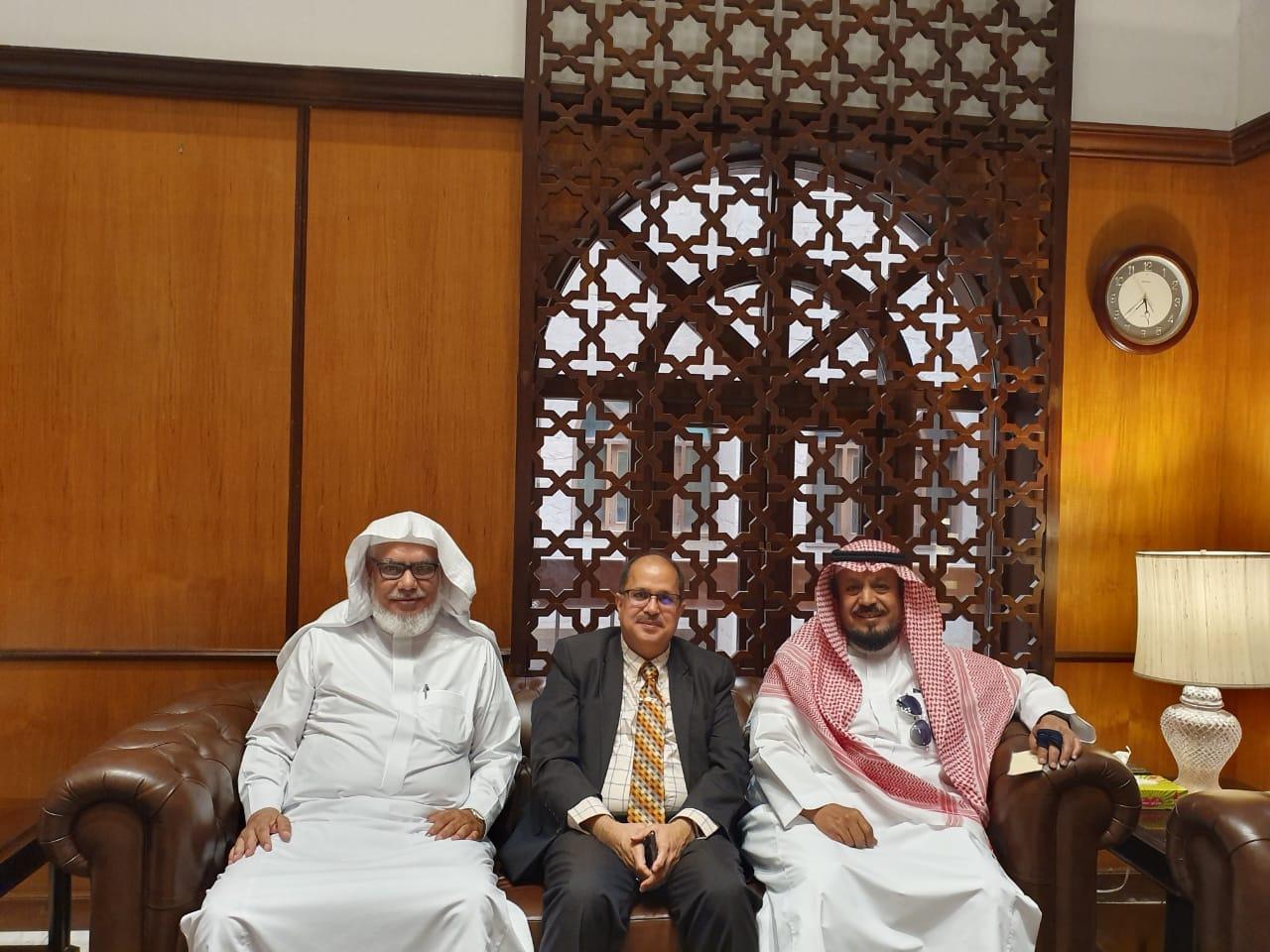 سفير الهند بالسعودية يستضيف مجلس إدارة مركز حضرموت