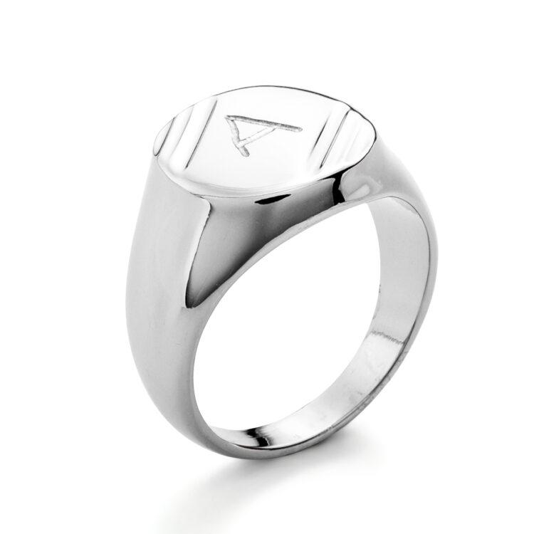 Signet Ring Retro