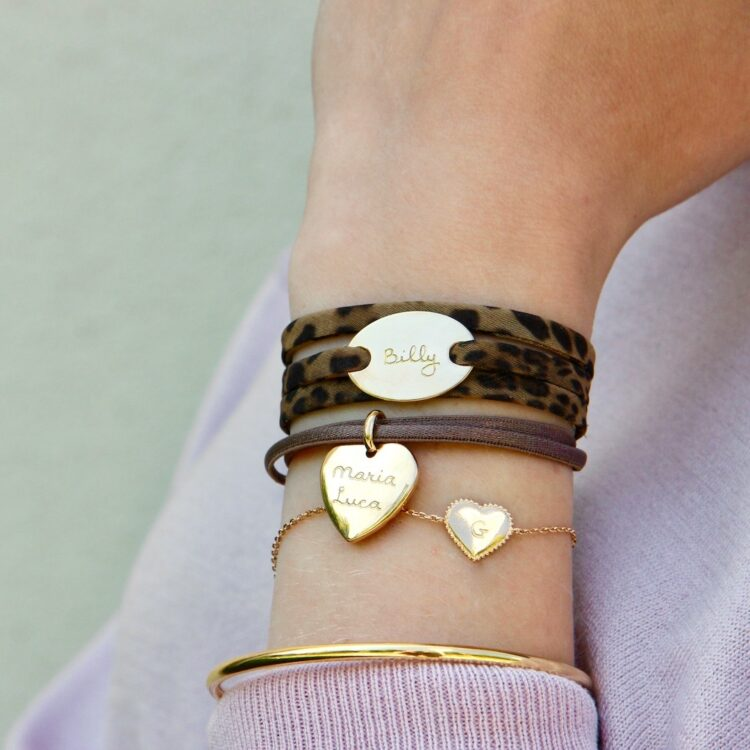 Heart Charm Armband Satin Stretch