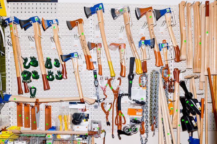 Bild zeigt Werkzeugwand bei Stefan Kapsner OHG
