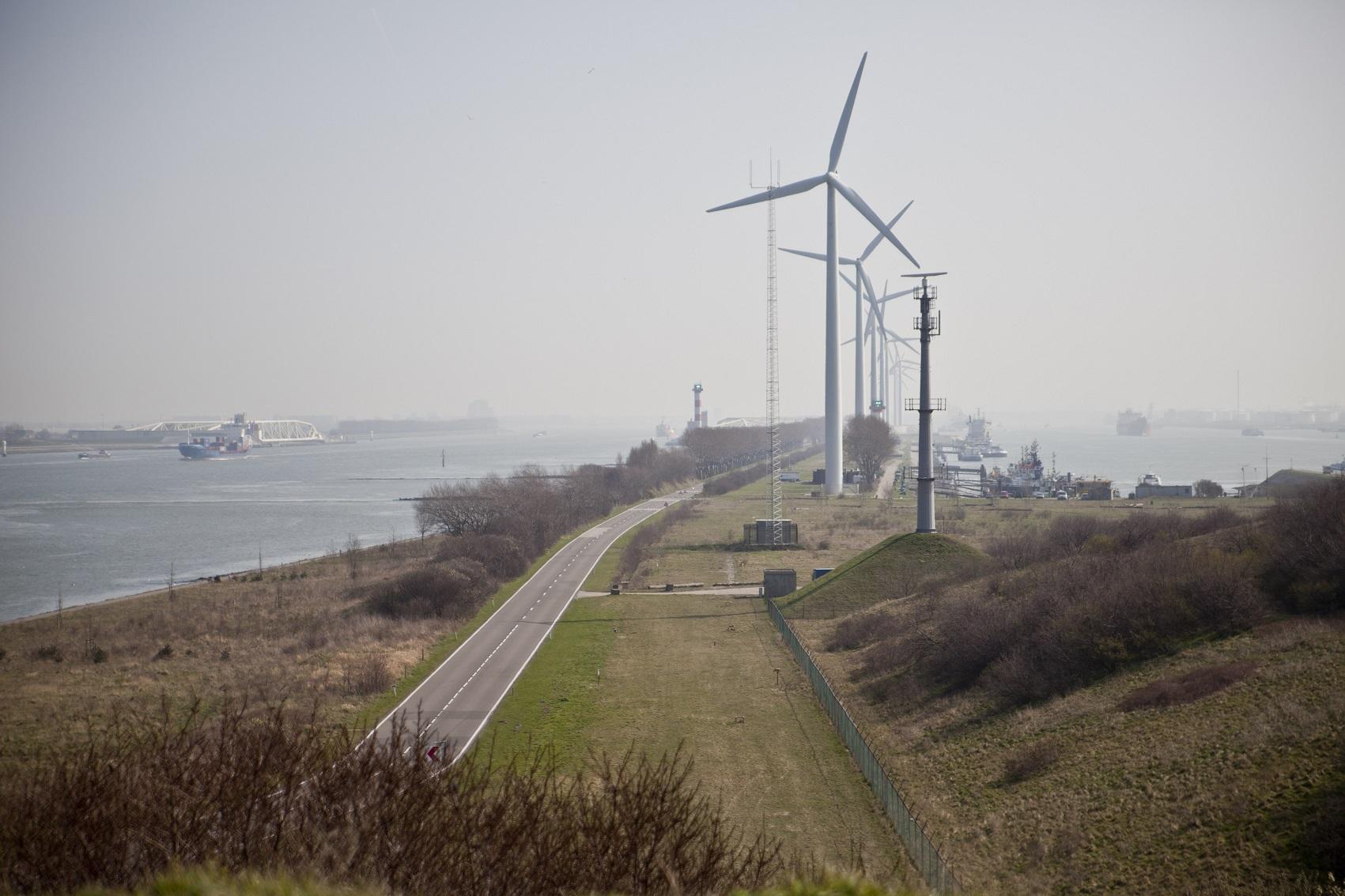 Windmolens Noordzeeweg fotograag Claire Droppert