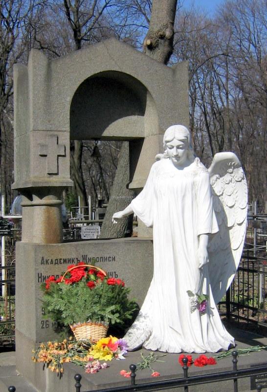 Могила Пимоненко на Лукяновскому цвинтарі в Києві