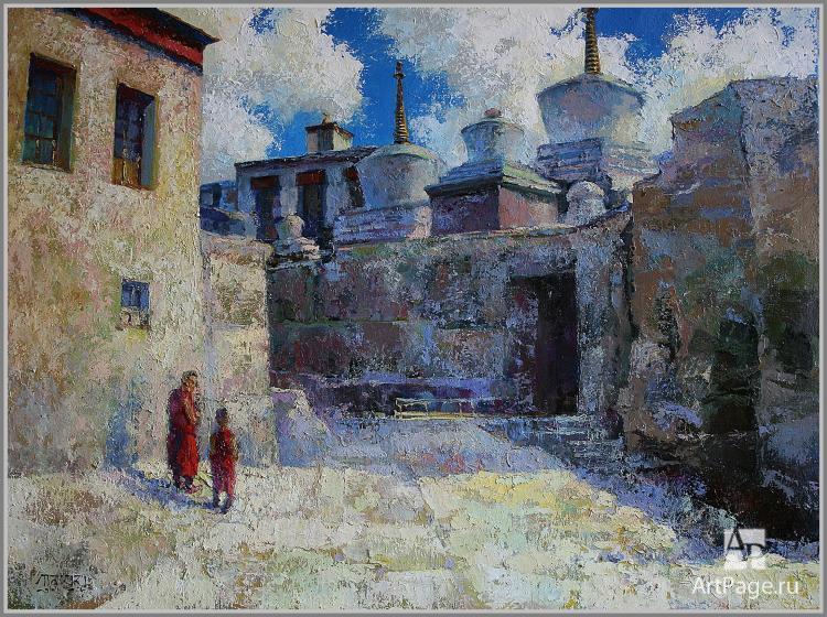 Солнечный двор монастыря Ламаюру