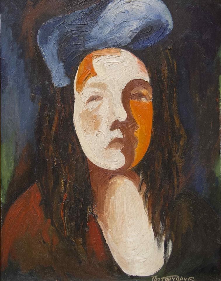 portret-devushki-v-golubom-berete