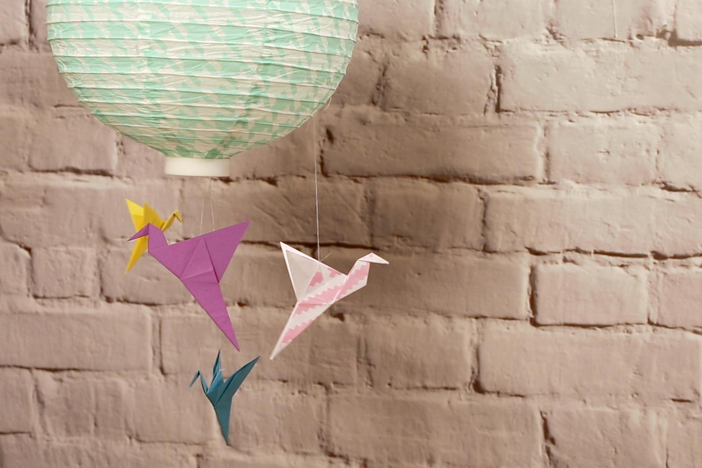 Origami Kranich falten.