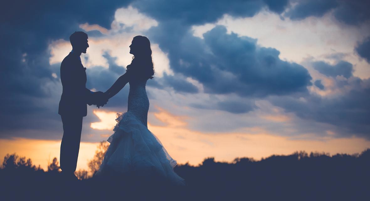 Hochzeit und romantischer Sonnenuntergang