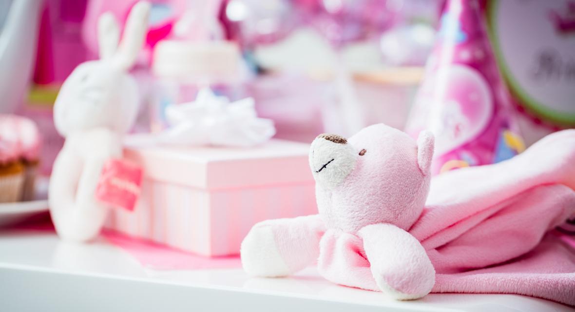 die 5 sch nsten ideen zum baby geschenk verpacken. Black Bedroom Furniture Sets. Home Design Ideas