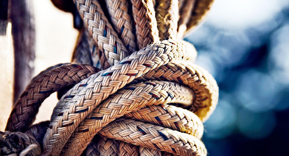 Ein Knoten in einem Seil