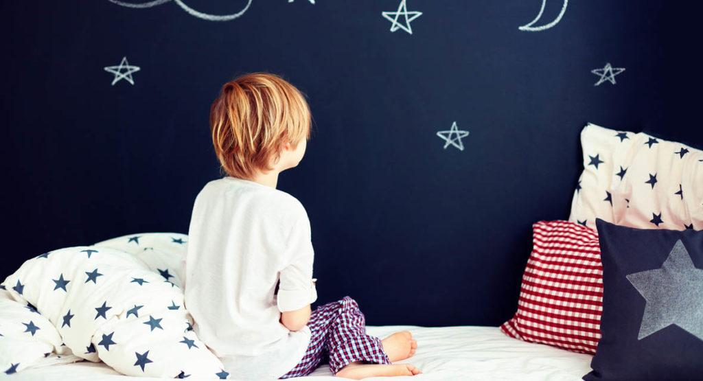 Dank Tafelfarbe können auch Kinder bei der Wandgestaltung mitmachen.
