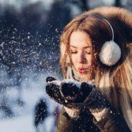 Schneeflocken basteln macht im Winter Spaß