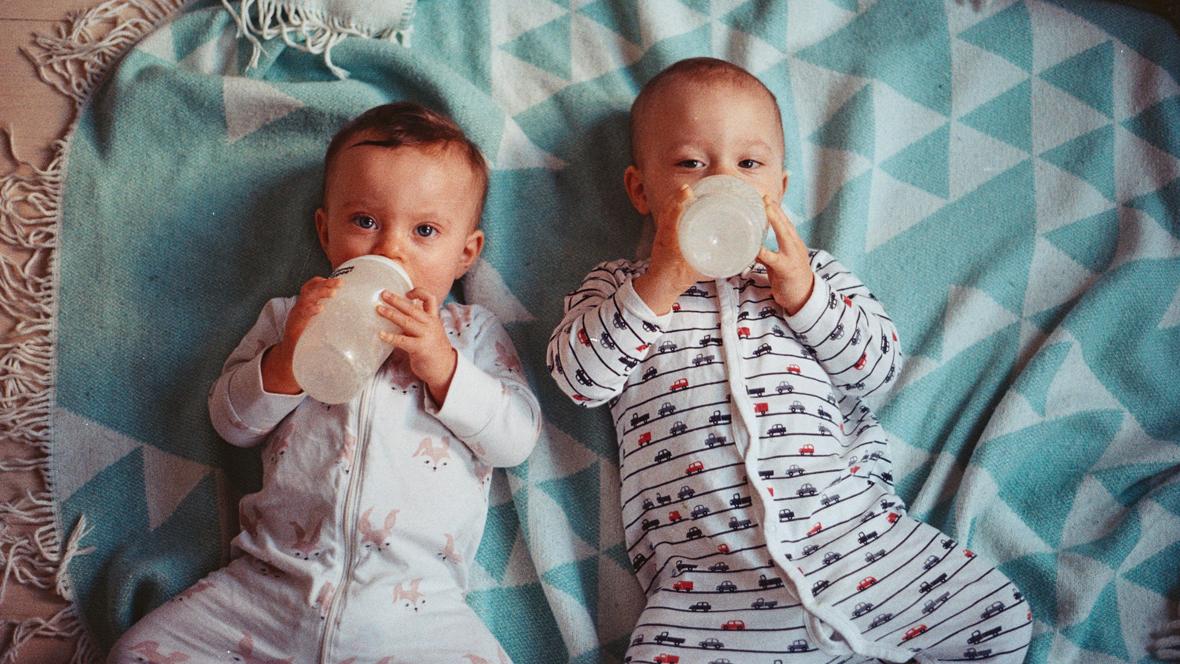 Trinkmenge Baby Wie Viel Sollen Kinder Trinken