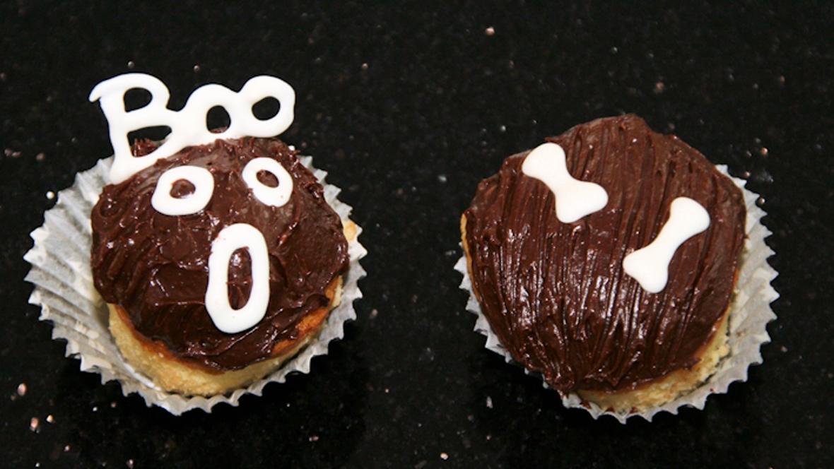 Skelett-Cupcakes für Halloween