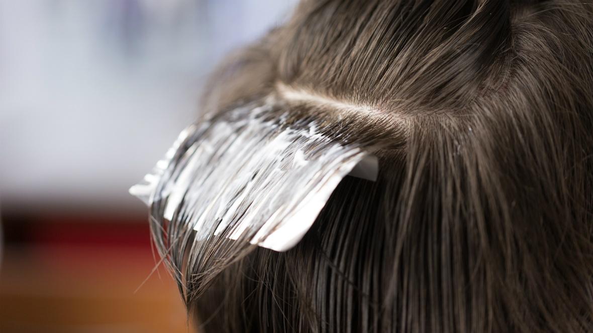 Gefärbte Haarsträhnen