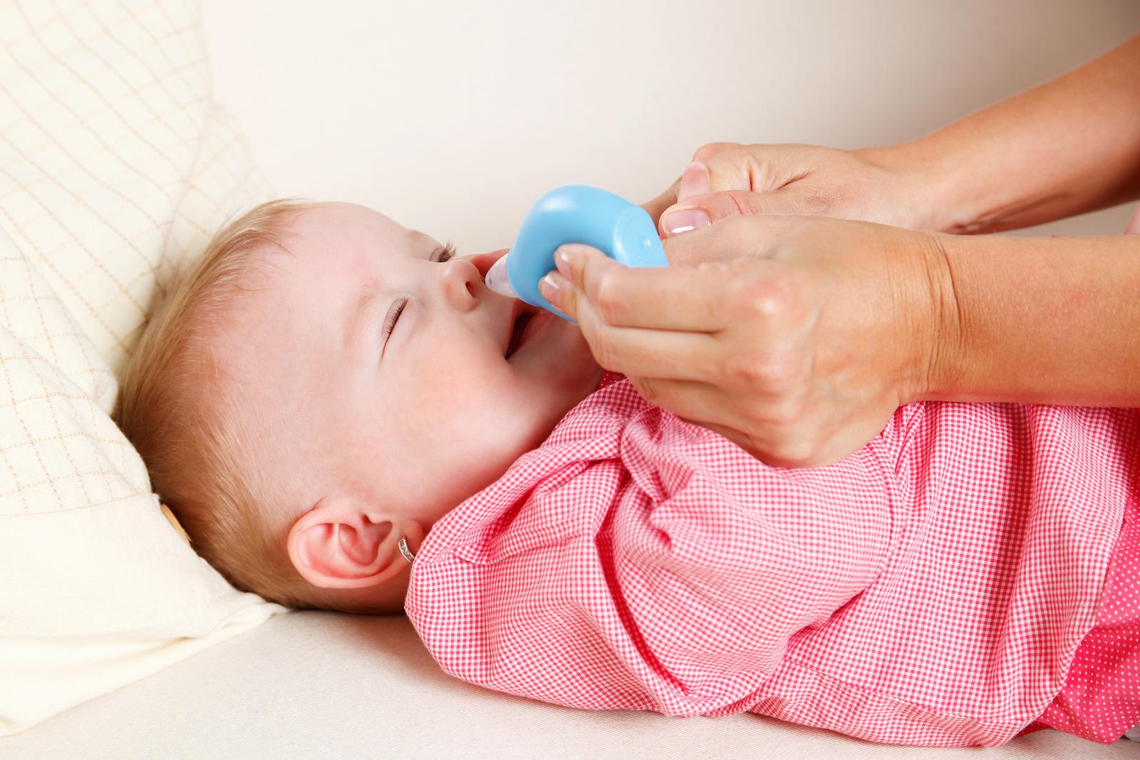 Nasensauger Baby hilft bei Schnupfen