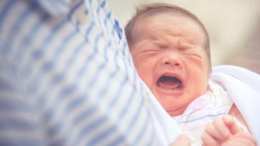 Schreiendes Baby mit Saugverwirrung