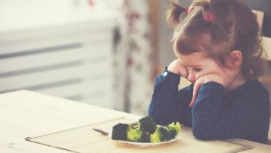 Mädchen möchten ihr Gemüse nicht essen