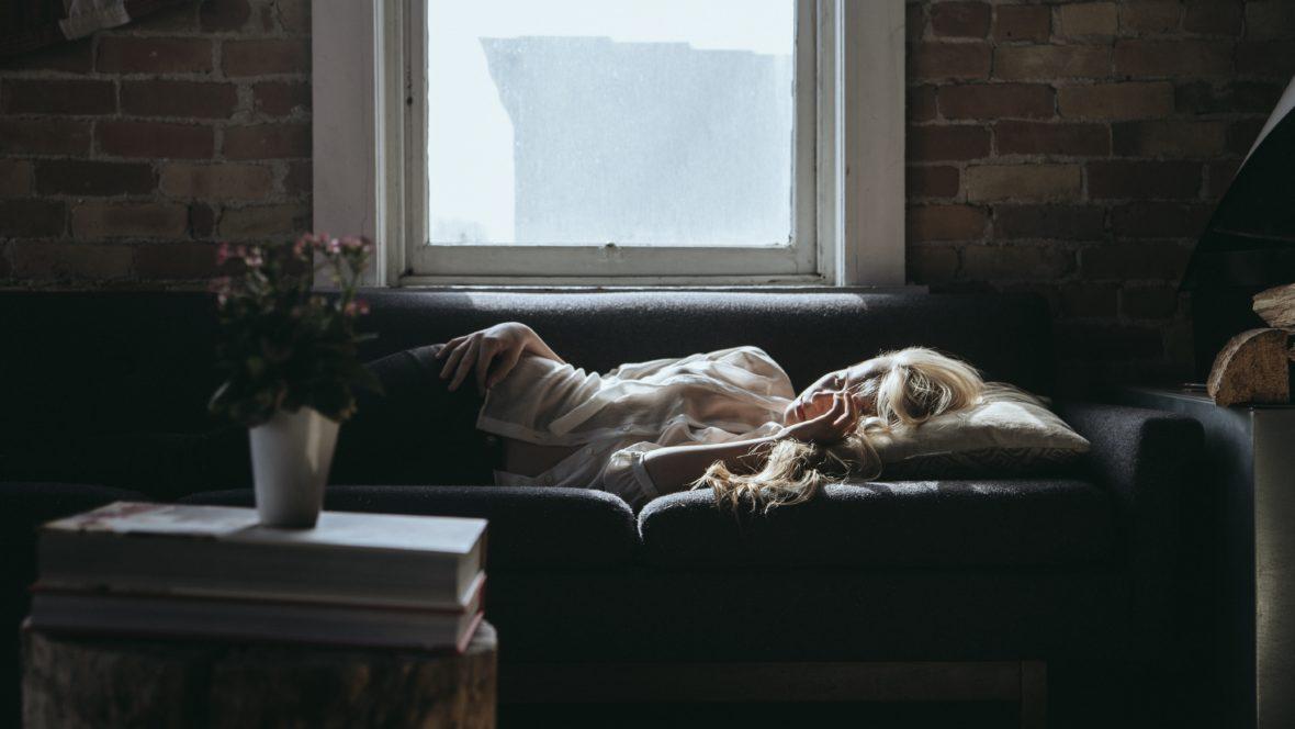 Einschlafprobleme können einen verzweifeln lassen. Wir haben gute Tipps dagegen.