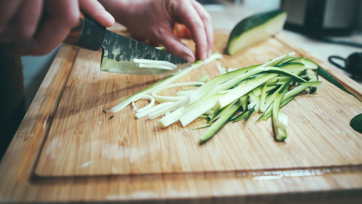 Vegan kochen kann sehr abwechslungsreich und gesund sein.