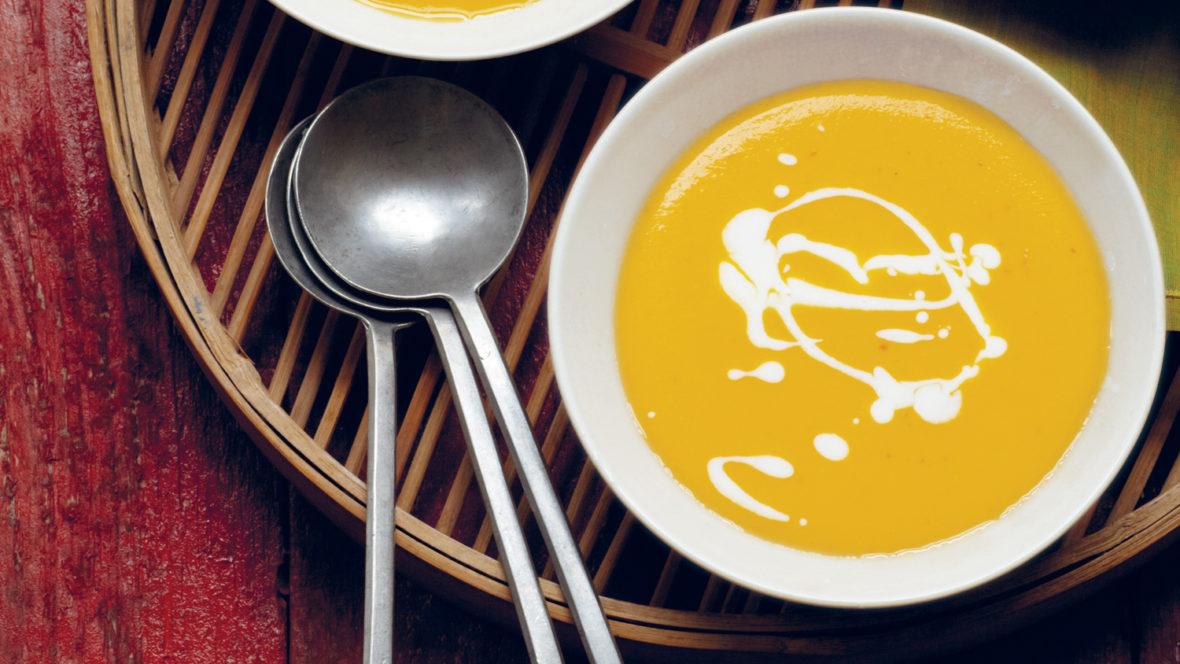 Wir stellen die laotische Kürbissupe aus dem Kochbuch VegAsia vor