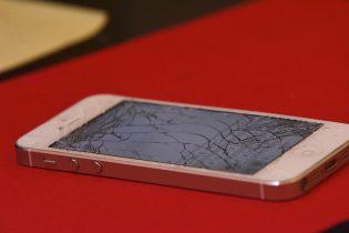 Smadret skærm! – kan jeg selv reparere min iPhone?