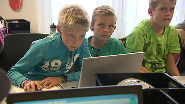 Skolestart: De bedste abonnementer og telefoner til børn