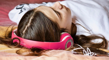 Mobiltelefoni med musik
